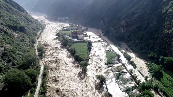 """丹巴县""""6.17""""山洪泥石流致两个村房屋基本被冲毁"""